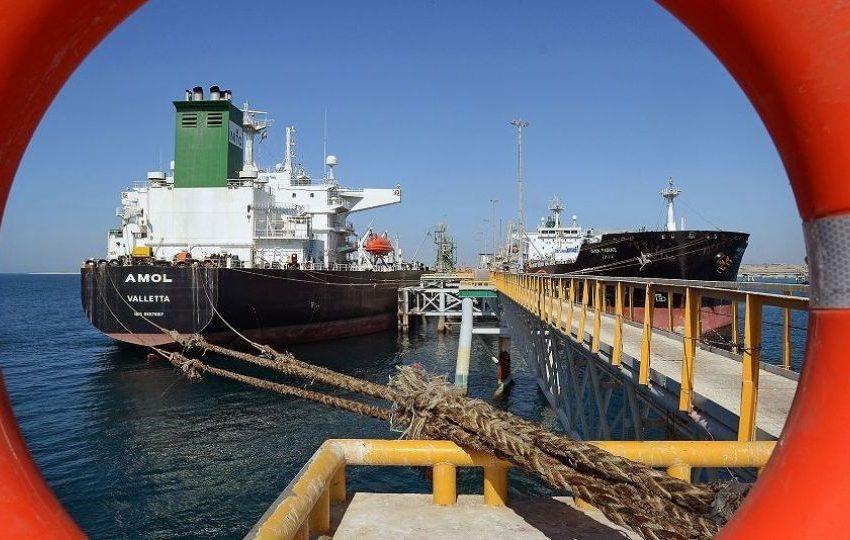 اتحادیه صادرکنندگان فرآوردههای نفتی: احتمالاً معافیتها از تحریم نفتی ایران حداقل برای ۴ کشور تمدید میشود