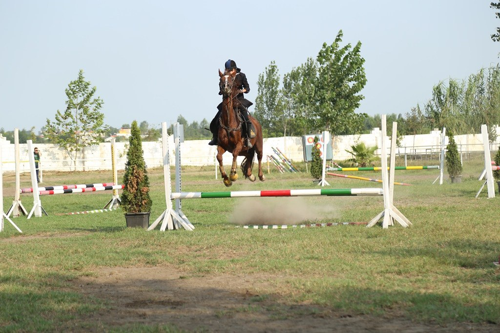 دومین مسابقه پرش با اسب در آمل/عکس