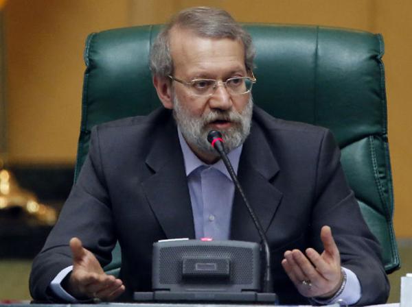 لاریجانی: عدهای تحت پوشش شعارهای داغ و افراطی خود را در زمره انقلابیها قرار میدهند، تا انقلابیهای واقعی را از میدان به در کنند