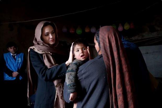 آنجلینا جولی: واشنگتن فاقد استراتژی برای حمایت از زنان افغانستان است؛ از آمریکایی بودنم شرمسارم